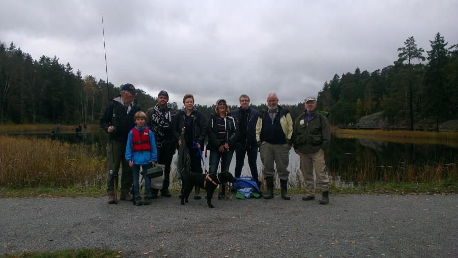 Åtta deltagare vid sjön Rudan i Haninge.